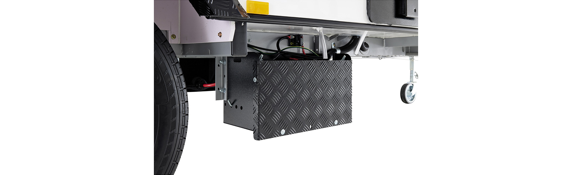 12 volt chassis mounted battery to ensure you have power even if you stop for a break on the side of the road.