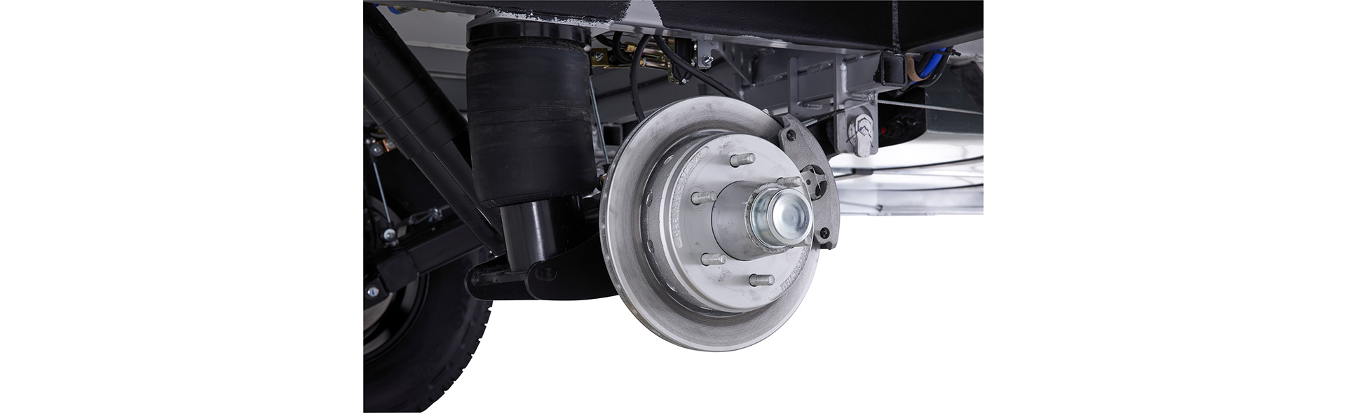 The Hurricanes' 12'' disc brakes give you lots of stopping power.